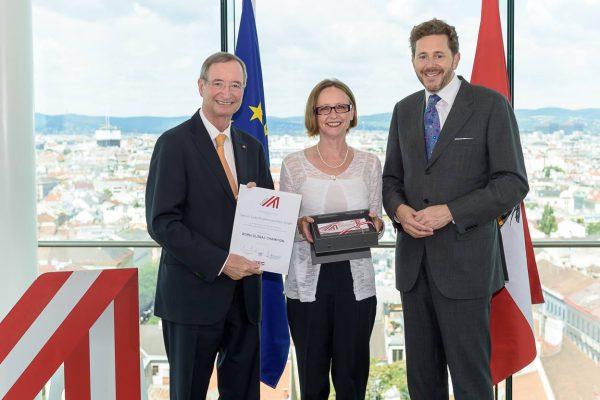 WKO-Award überreicht von WKO-Präsident Leitl und Bundesminister Mahrer